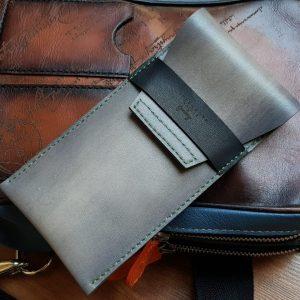 World Traveler Leather Watch Case